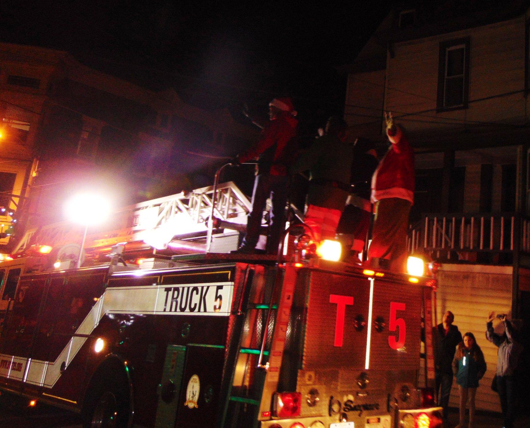 Santa's Firetruck Schedule December 4th & 5th